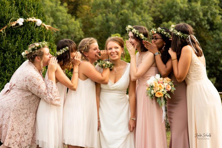 photo de groupe avec la mariée