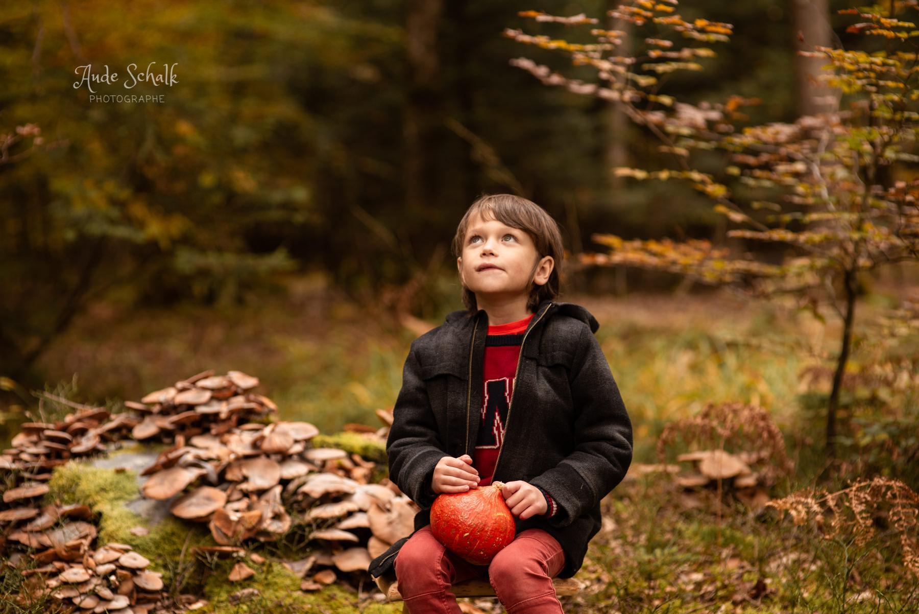 seance photo portrait enfant garçon au Semnoz